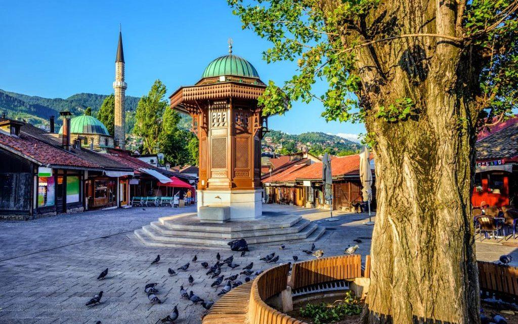 https://silvija-turist.hr/wp-content/uploads/2019/08/sebilj-fountain-sarajevo-bosnia-and-herzegovina-shutterstock_574540984-1024x683-1024x640.jpg