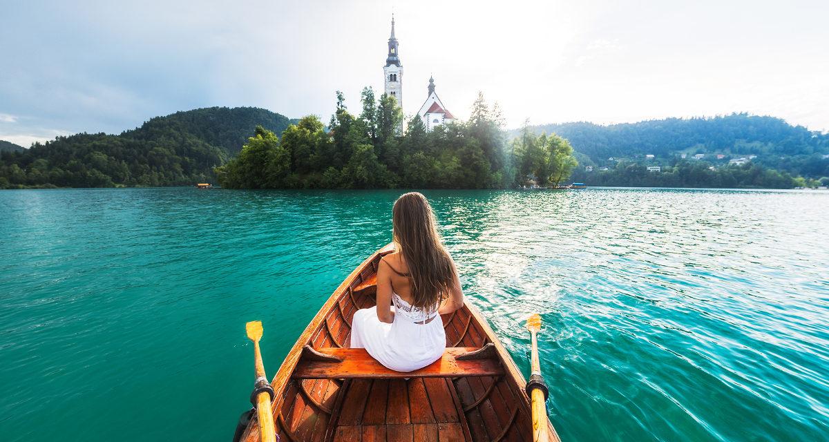 https://silvija-turist.hr/wp-content/uploads/2020/01/barco-lago-bled-1200x640.jpg